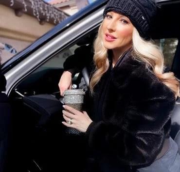 faux fur coat winter 2021 fashion blogger Glamour Gains