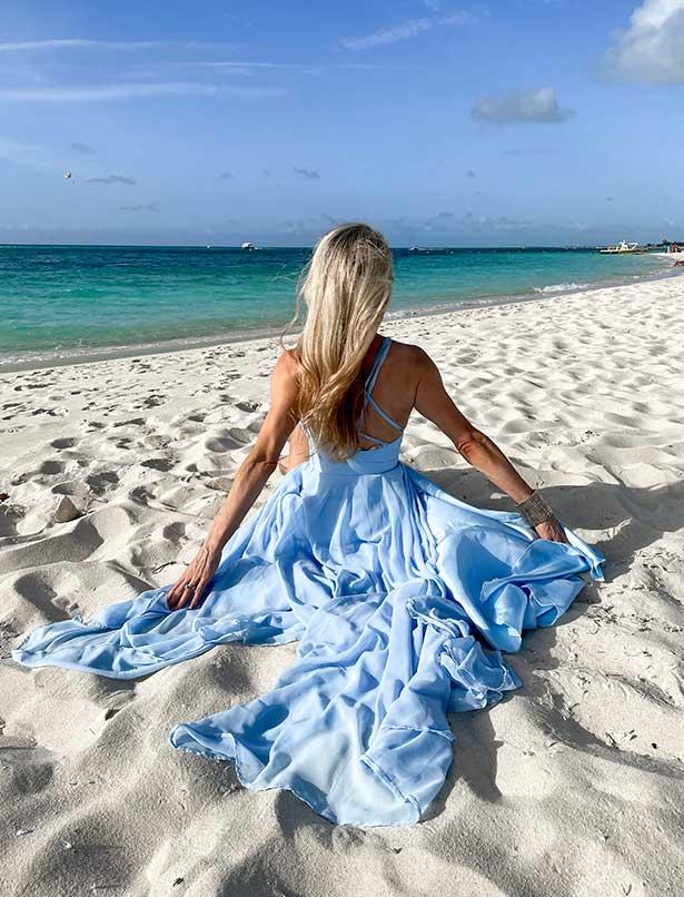 Best beach Turks Caicos Grace Bay Eve Dawes travel blogger blue dress