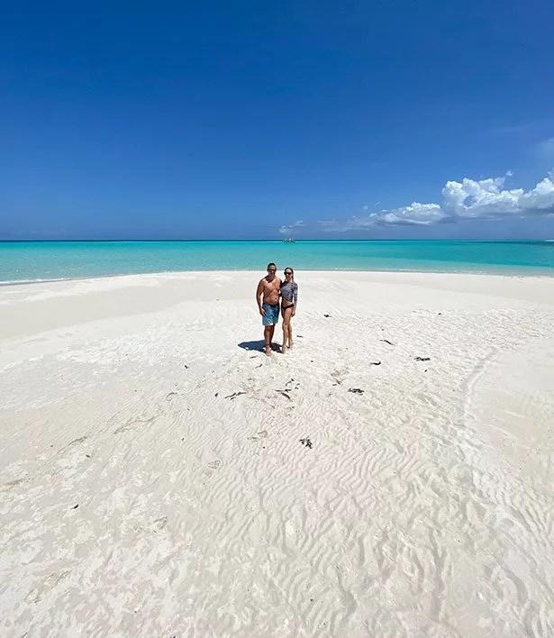 turks and caicos excursions private tour sandbar romantic couple