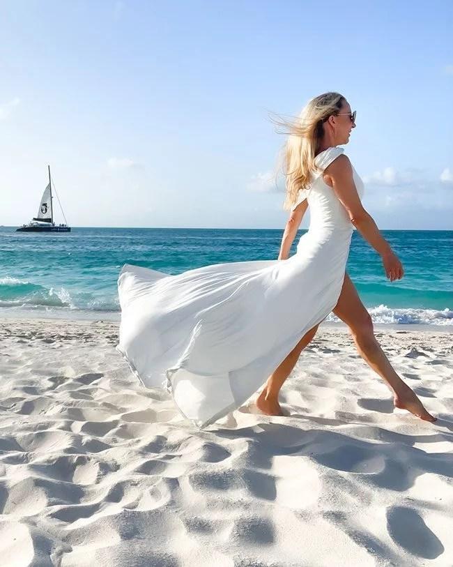 glamour gains long white bridal dress walking