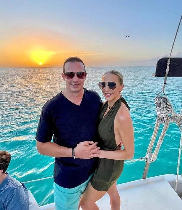 things do Turks Caicos sunset cruise romantic couple