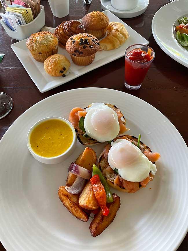 turks caicos collection all inclusive breakfast eggs benedict
