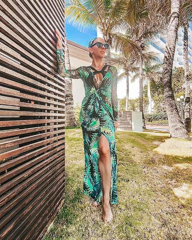 fashion blogger glamour gains chic resort wear style