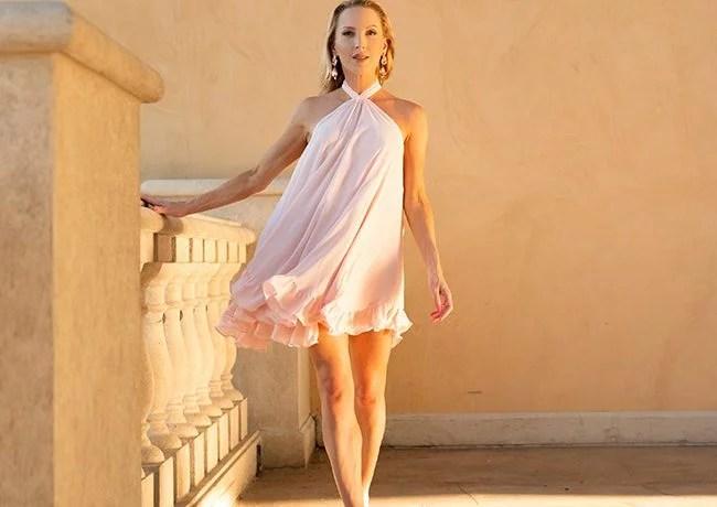 platform heels gold sandals fashion blogger Eve Dawes Glamour Gains Vegas