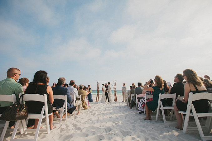 white and blue beach wedding | pure7studios