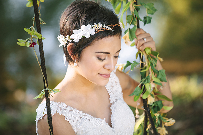 pixie cut bride | Photo Love | Glamour & Grace