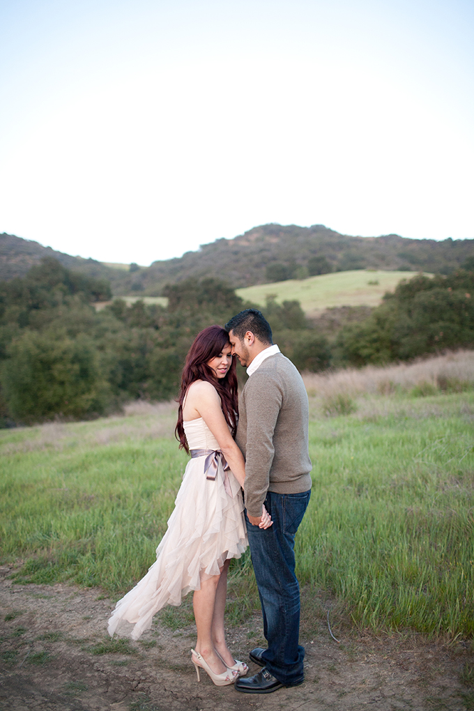 romantic sunset engagement | Diana McGregor Photography | Glamour & Grace