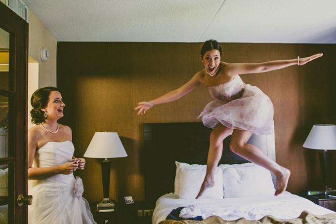 bridesmaid fun | Carolyn Scott Photography | Glamour & Grace