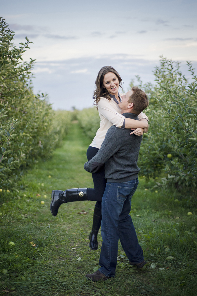 apple orchard engagement   Sarunia Photography   Glamour & Grace