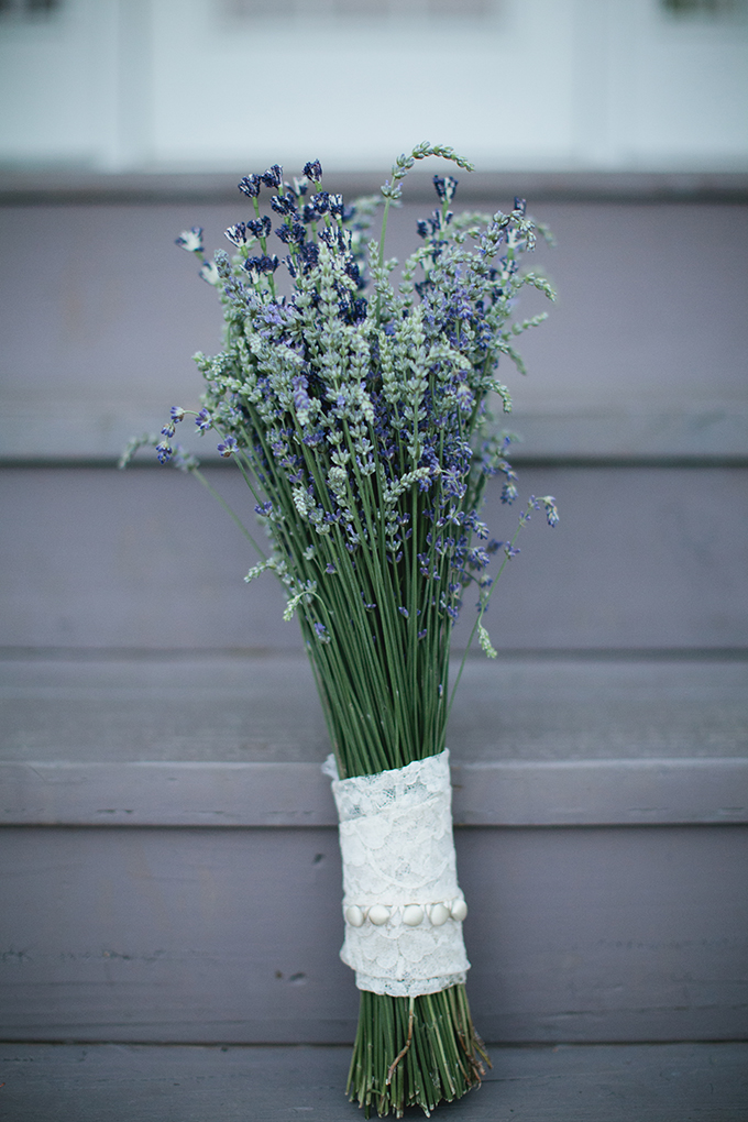 lavender bouquet | Courtney Reese Photography | Glamour & Grace