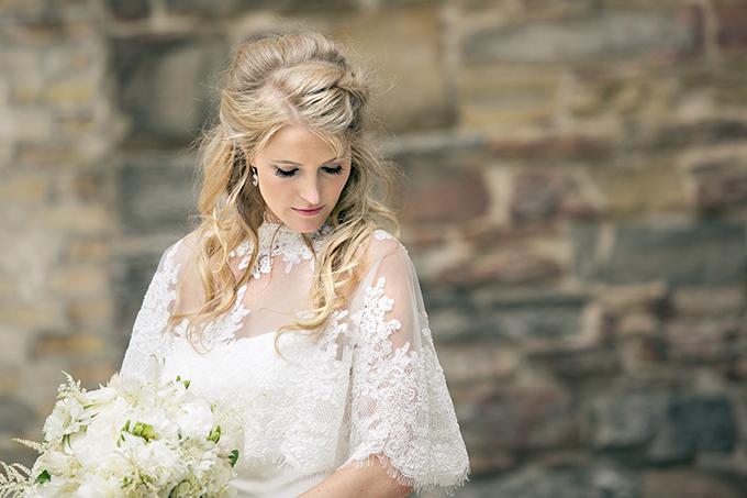 gorgeous bridal caplet | Erin Johnson Photography | Glamour & Grace