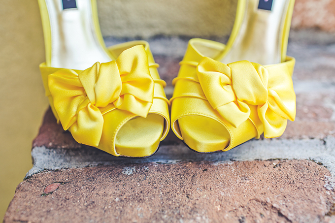 yellow shoes | Lindsey Gomes Photography | Glamour & Grace