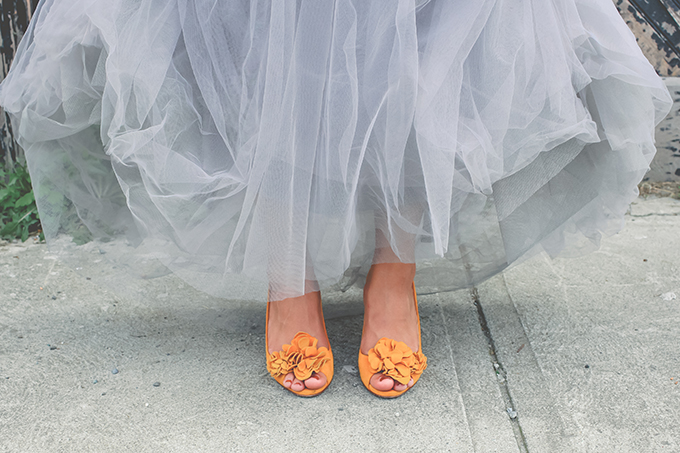 gray dress and yellow shoes | Keira Lemonis Photography | Glamour & Grace