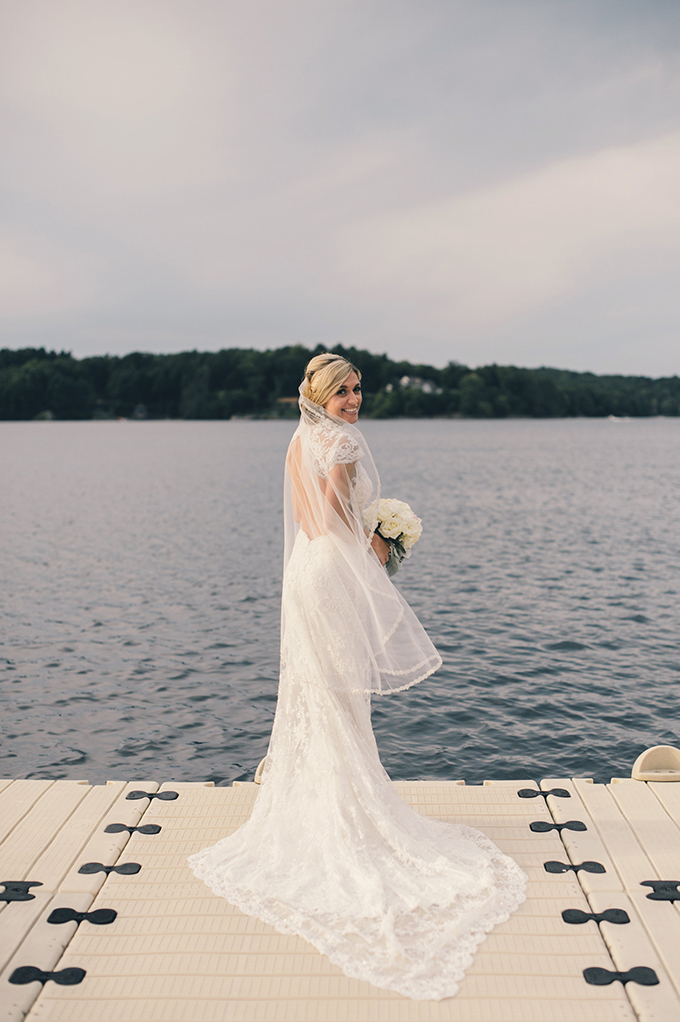 Pnina Tornai lace gown | Katie Slater Photography | Glamour & Grace