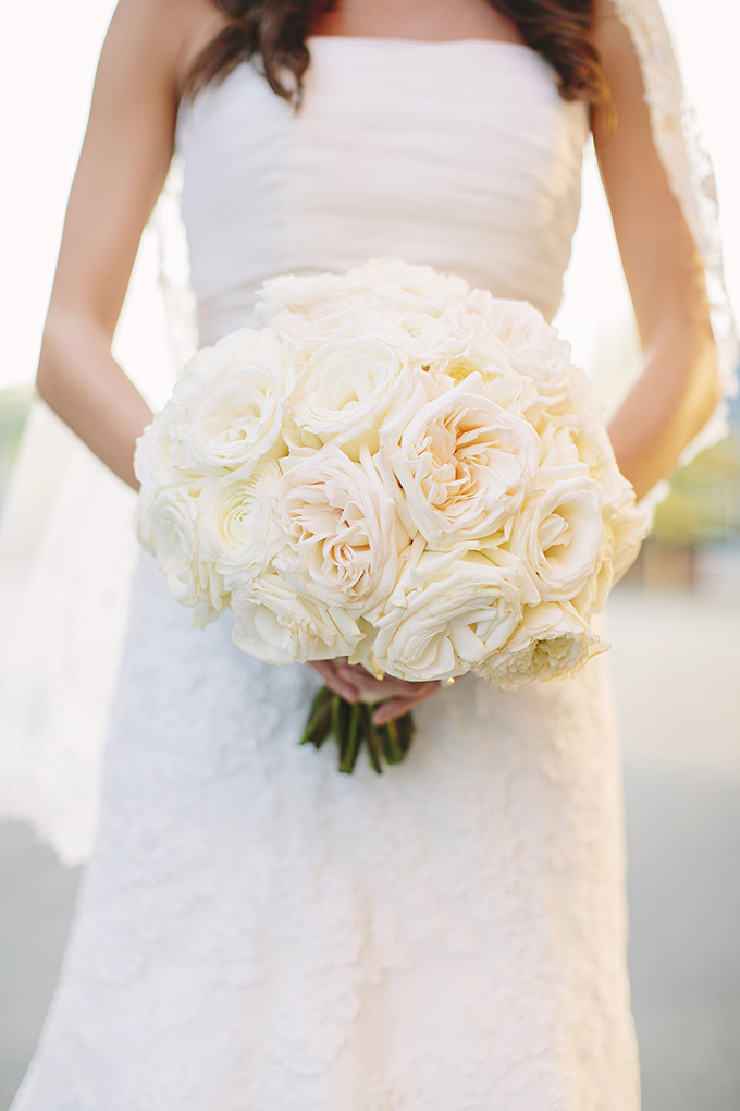 classic white bouquet | Brooke Courtney Photography | Glamour & Grace