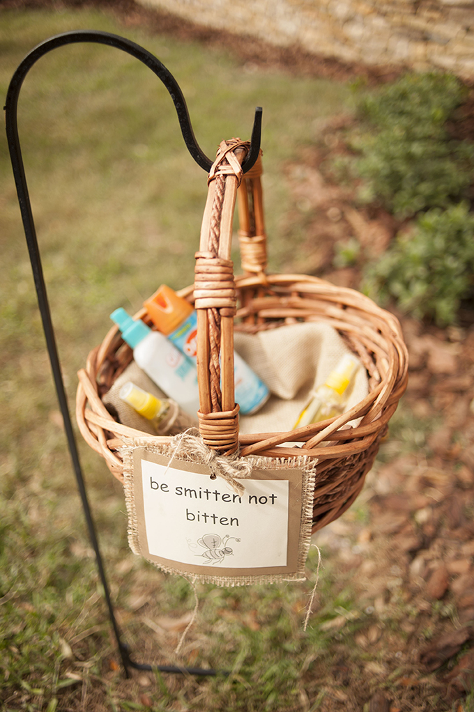 'be smitten not bitten' bug spray for guests | Stephanie A Smith Photography | Glamour & Grace