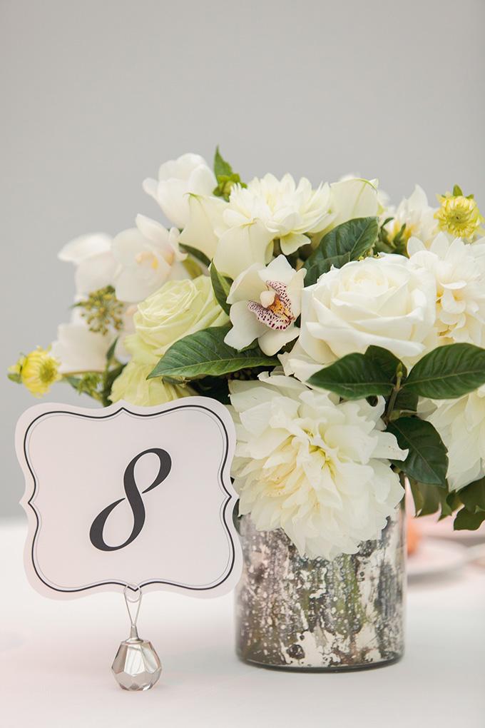 white centerpiece   Kimberly Salem Photography   Glamour & Grace