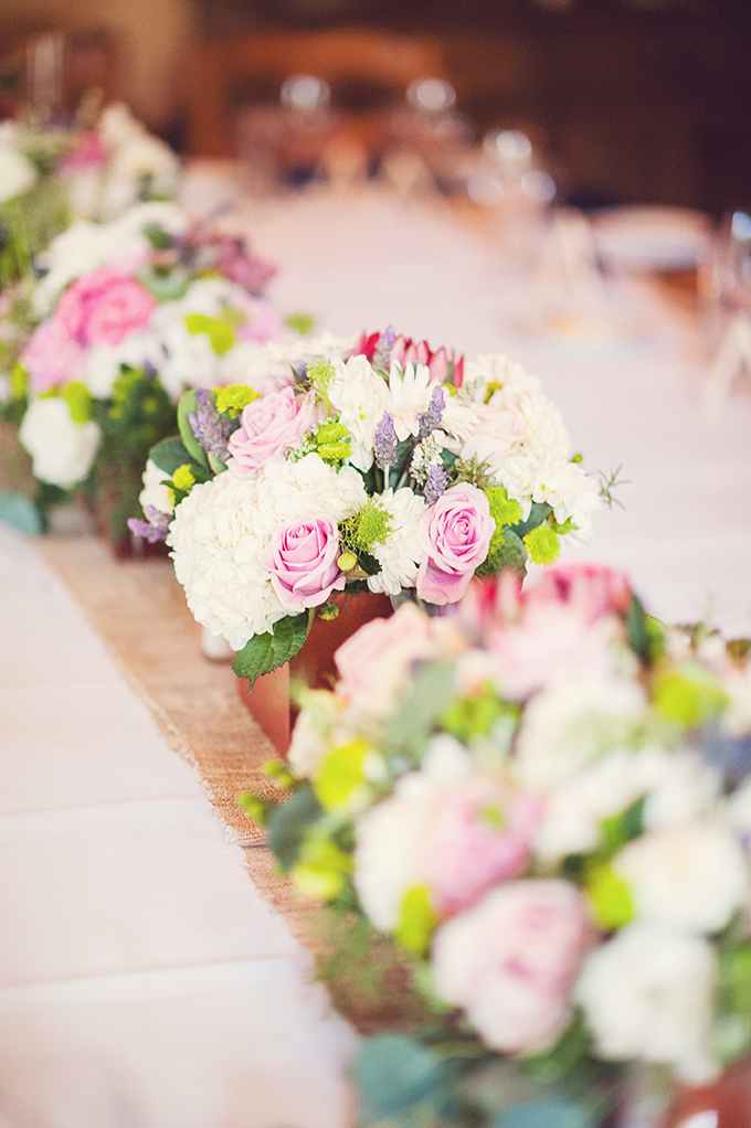 pink and white centerpieces | Sun & Sparrow Photography | Glamour & Grace