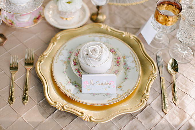 vintage place setting | Catherine Ann Photography | Glamour & Grace