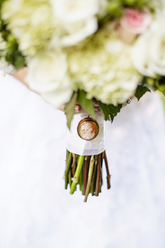 cameo bouquet detail | Robyn Van Dyke Photography | Glamour & Grace