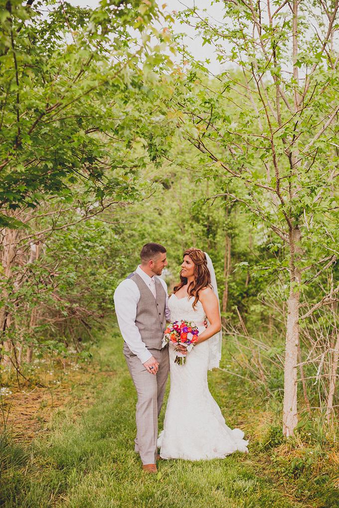 rustic vintage barn wedding | Jennifer Ling Photography | Glamour & Grace