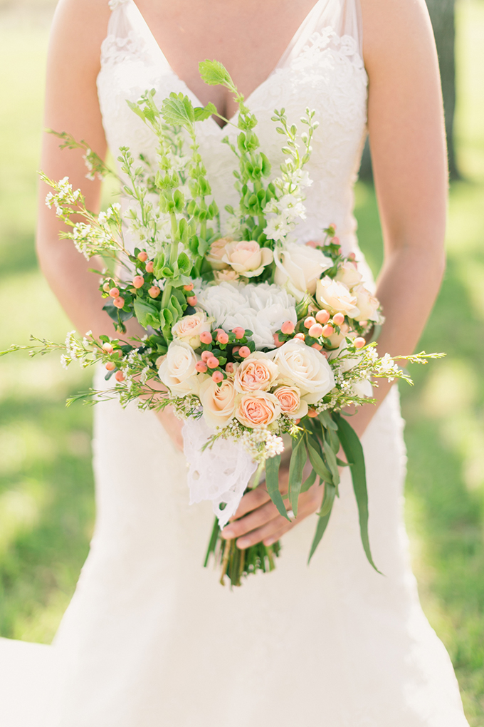 blush bouquet | Logan Howard Photography | Glamour & Grace