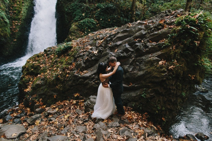glam forest engagement | Dylan and Sara Photography | Glamour & Grace