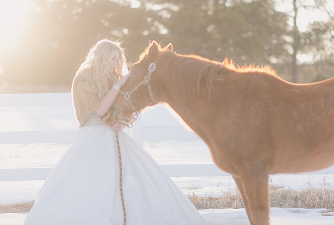 snowy bridal session | Julie Paisley Photography | see more http://glamourandgraceblog.com/2014/photo-fridays-snowy-bridal-session