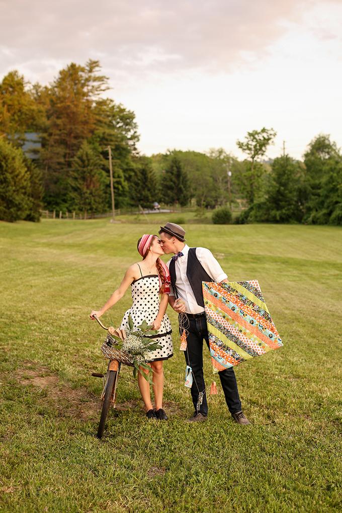 vintage picnic engagement | Gabrielle von Heyking Photographie | Glamour & Grace