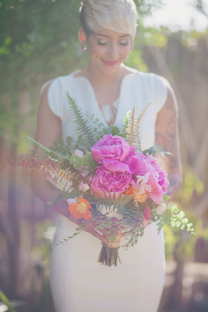 bright peony bouquet | Alexandra Wallace |Glamour& Grace