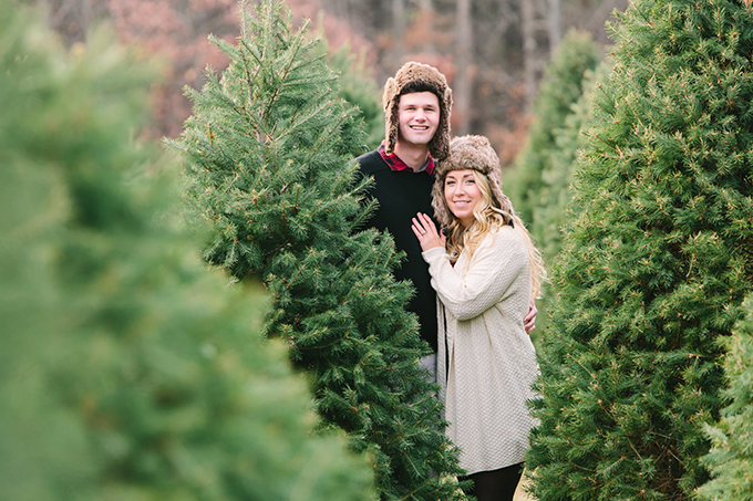 Christmas tree farm engagement session | Jessica Cooper Photography | Glamour & Grace