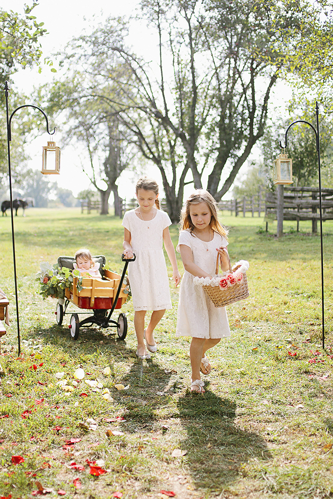 cute flower girls | Brooke Courtney Photography | Glamour & Grace