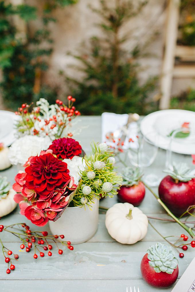 romantic urban wedding inspiration   Les Amis Photo   Glamour & Grace