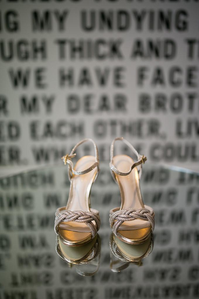 Philadelphia garden wedding   Peach Plum Pear Photo   Glamour & Grace