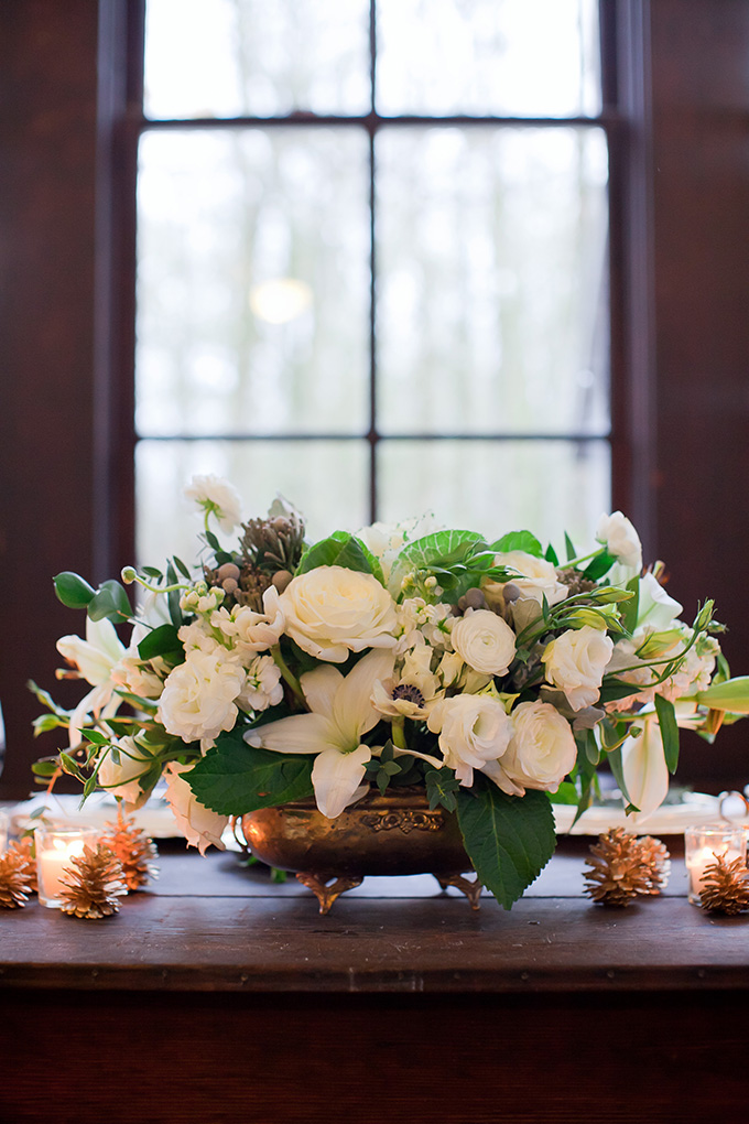 winter white centerpiece | Jamie Zanotti Photography | Glamour & Grace