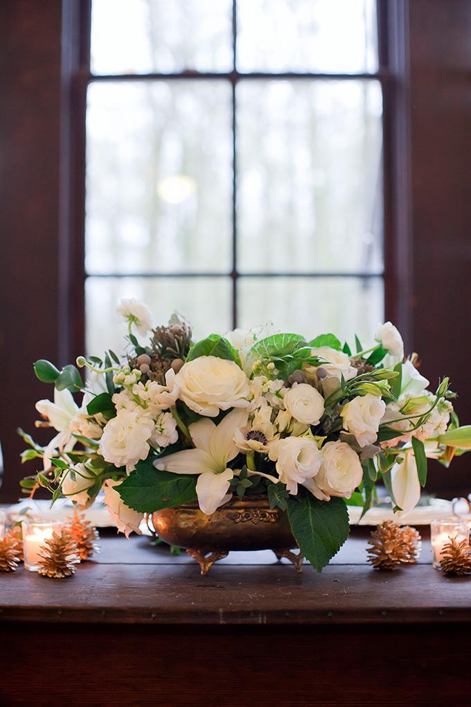 winter white centerpiece | Jamie Zanotti Photography | Glamour & Grace