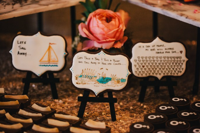 colorful modern handmade wedding | Jerry Yoon Photographers | Glamour & Grace