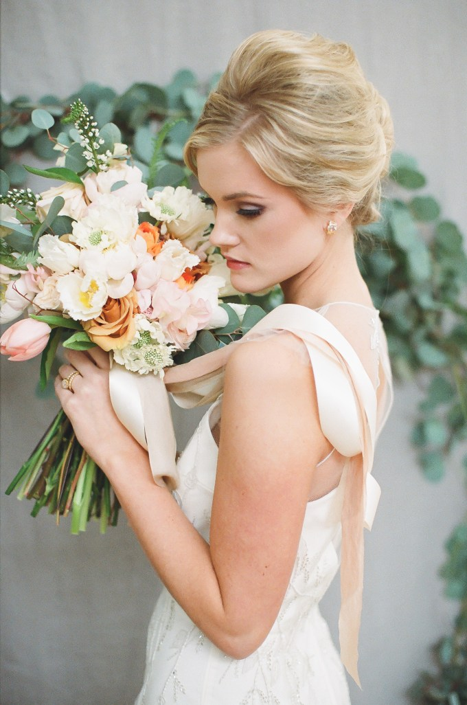 romantic spring wedding | hay alexandra photography | Glamour & Grace