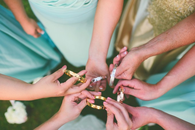 bridesmaid gifts | Jessie Holloway Photography | Glamour & Grace