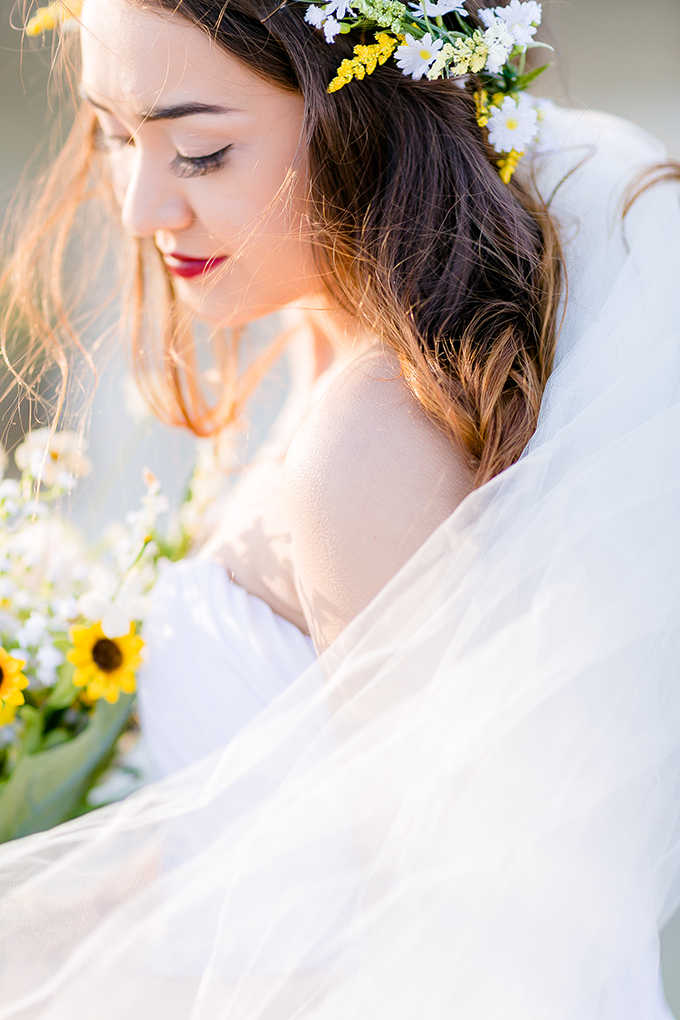 DIY gold and green spring wedding | Heather Chipps Photography | Glamour & Grace