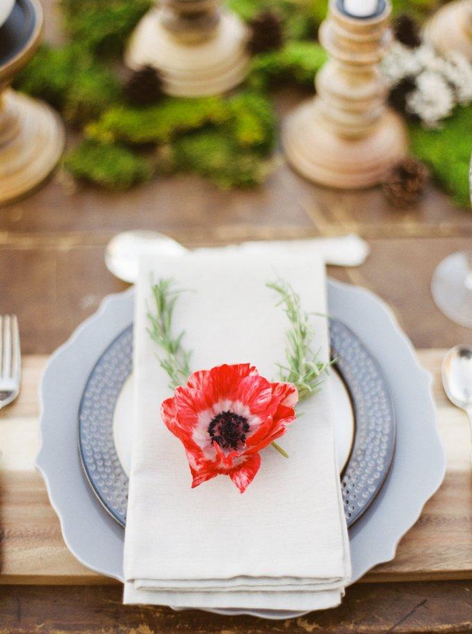 poppy place setting | Elizabeth Ngundue Photography | Glamour & Grace
