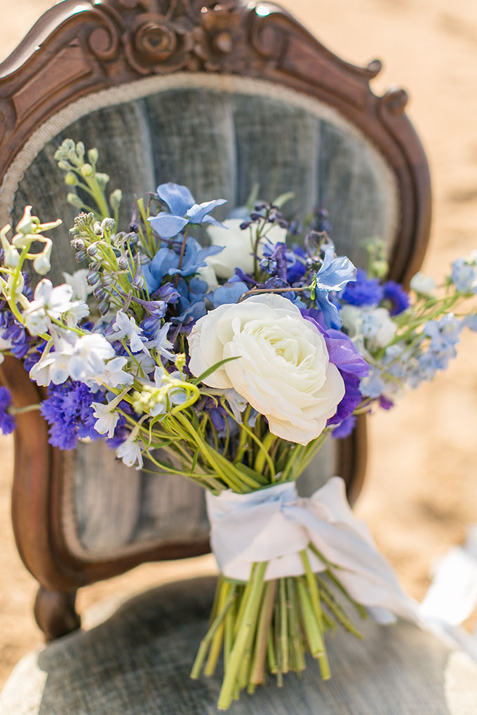 blue bouquet | Amanda Hedgepeth Photography | Glamour & Grace