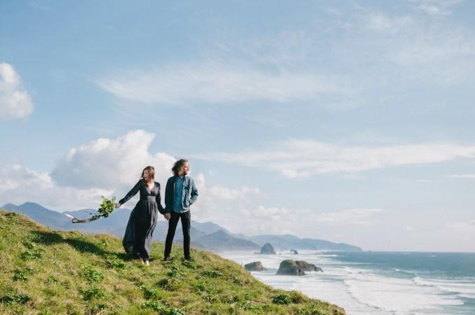 breathtaking coastal engagement | Grace and Jaden Photography | Glamour & Grace
