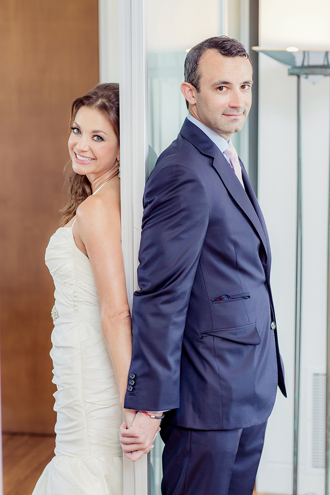 holding hands through door for first 'look' | Figlewicz Photography | Glamour & Grace