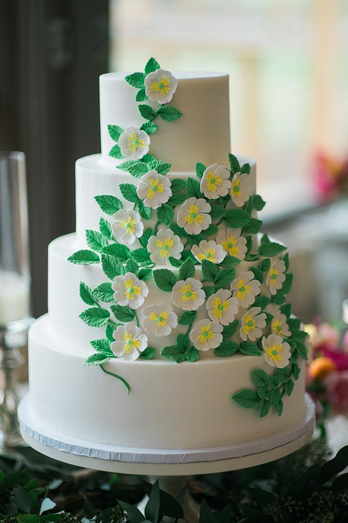 floral cake | The Bird & The Bear | Glamour & Grace
