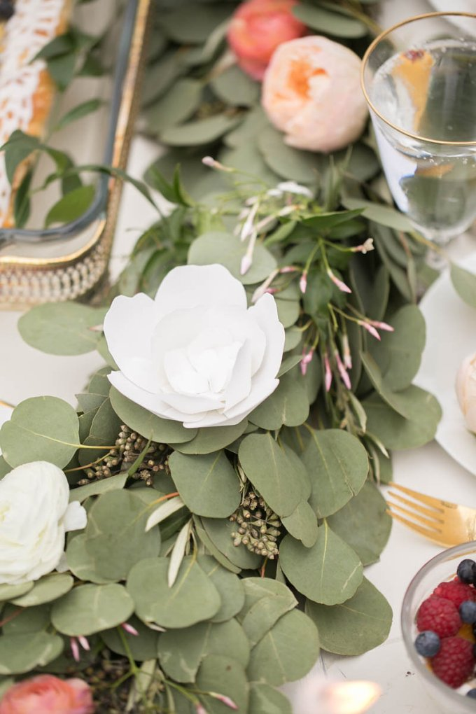 paper floral garland | V.A. Photography | Glamour & Grace