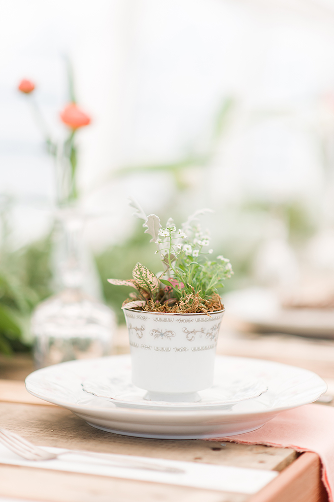 tea cup place setting | Christina Forbes Photography | Glamour & Grace