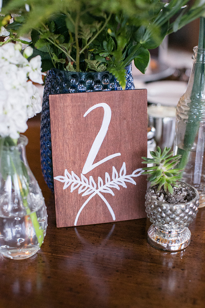 wood table number   Anna Marks Photography   Glamour & Grace