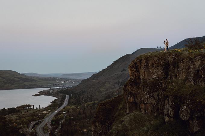 Oregon sunset engagement | Catalina Jean Photography | Glamour & Grace
