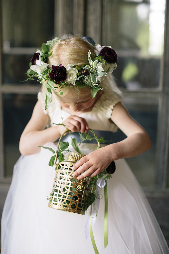 flower girl | Kate Preftakes Photography | Glamour & Grace